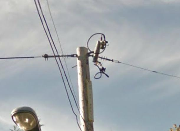 Dangling HV Wire 2